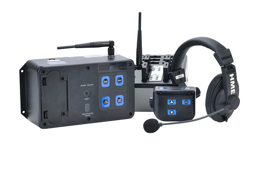 Clear-Com HME DX100 system цшер HME MB100 base station, HME BP200 beltpack, HME HS15 headset, HME AC40A battery charger, HME BAT41 battery